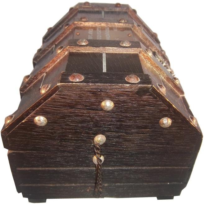 regatta-chest2